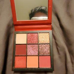 Huda beauty ruby obession